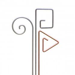 Bouquet de tuteurs métalliques avec Gustav en inox  Ø 6 mm, Piet en fer cannelé Ø 6 mm, Pablo en cuivre Ø 6 mm.