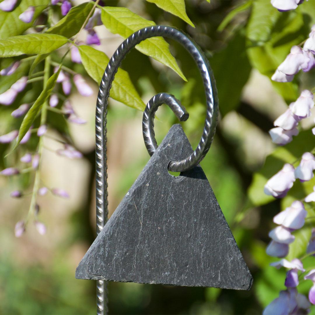 Etiquette ardoise triangle sur Gustav fer cannelé - Le Jardin de Léon