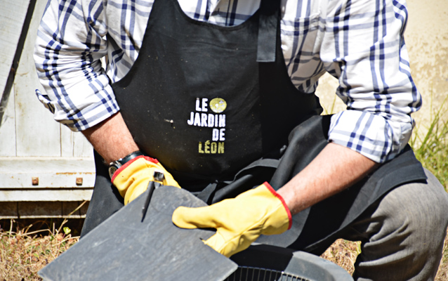 Le Jardin de Léon - Découpe de l'ardoise brute recyclée